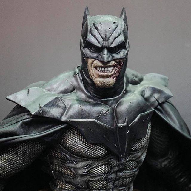 I also sculpted this Batman statue concepted by @leebermejoart for Prime1 Studio, I was waiting for better pictures with less perspective distortion but once they come out I will post it here again! - Eu tambem esculpi essa estatua do Batman que foi desenhada pelo Lee Bermejo, eu estava esperando por fotos com menos distorcao mas postarei elas quando elas sairem! . . . #Joker #DC #Batman #Comics #HQ #3d #Sculpt #collectible #art #statue #prime1 #sculptor #zbrush #digitalart #Damned