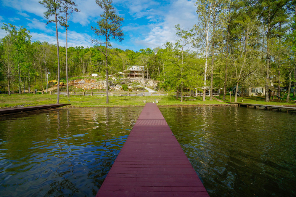 Lake House - Life is better at the Lake