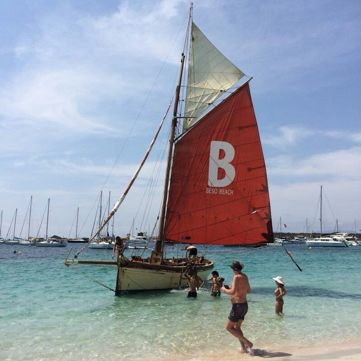 cae9b5ae775f3371da97b5707c415e99--sailing-boat.jpg
