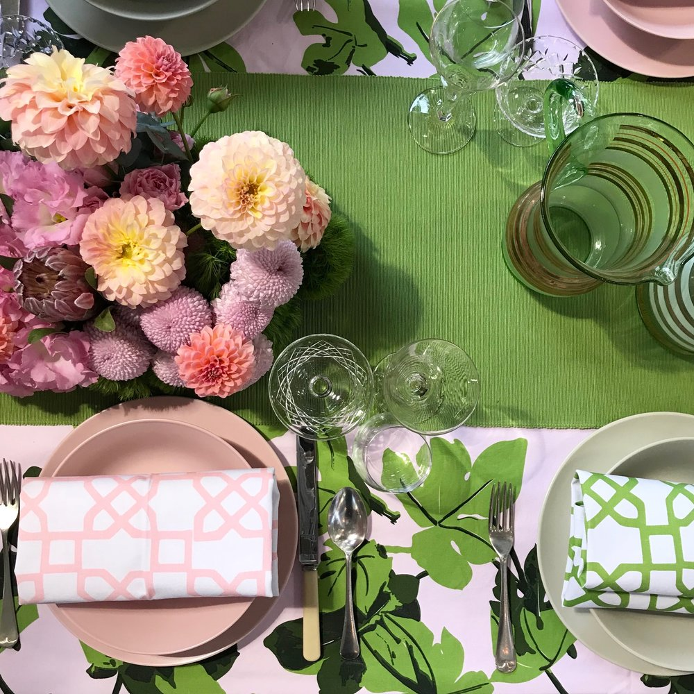 Green & Pink Runners.. - Green and pink table runners are available for an added pop of WOW factor. This tables cape is one of my favourites - $10 each to hire.