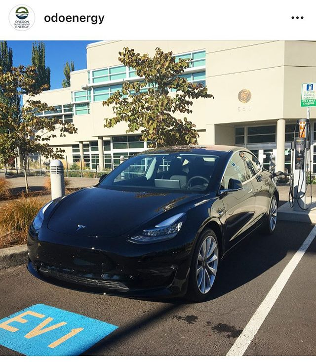 From @ODOEnergy:  The shiniest Tesla in all the land?  #goelectricor #electricvehicle #zeroemissions #tesla #carcharger #oregonenergy