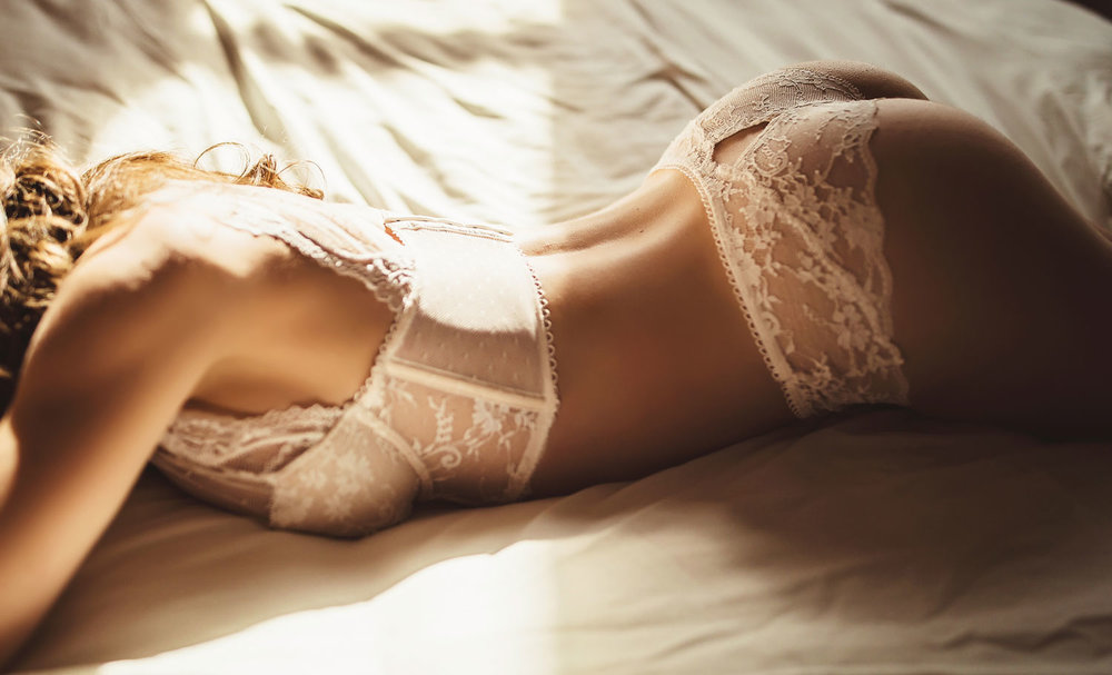 NealBoudoir-(19-of-63)website.jpg