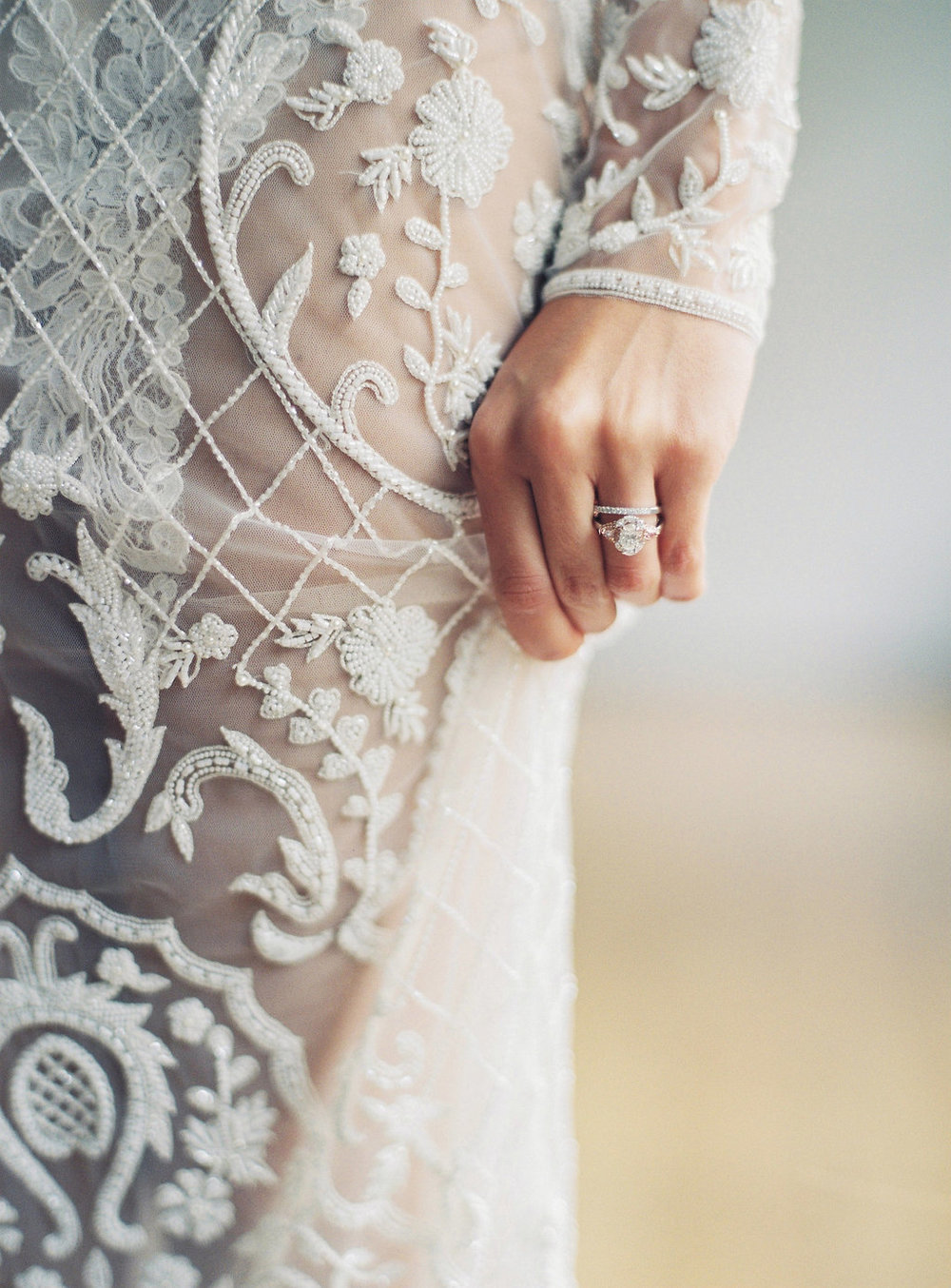 Aravella Event Design | Modern Minimalist Bridal Inspiration | Photo by Katie Grant Photography | Wedding Ring