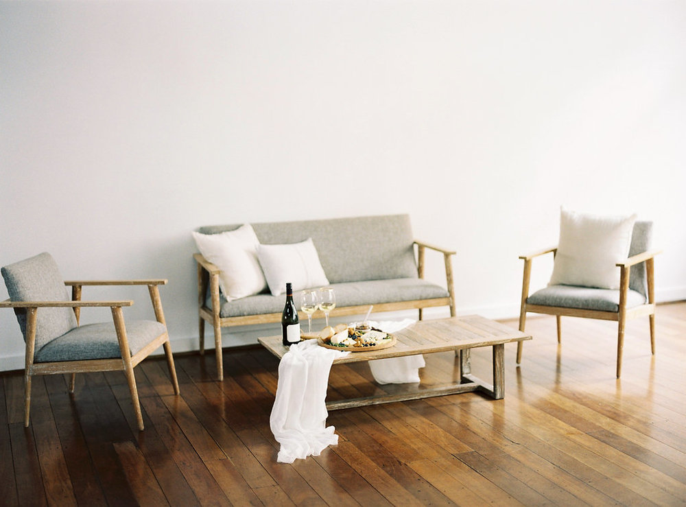 Aravella Event Design | Modern Minimalist Bridal Inspiration | Photo by Katie Grant Photography
