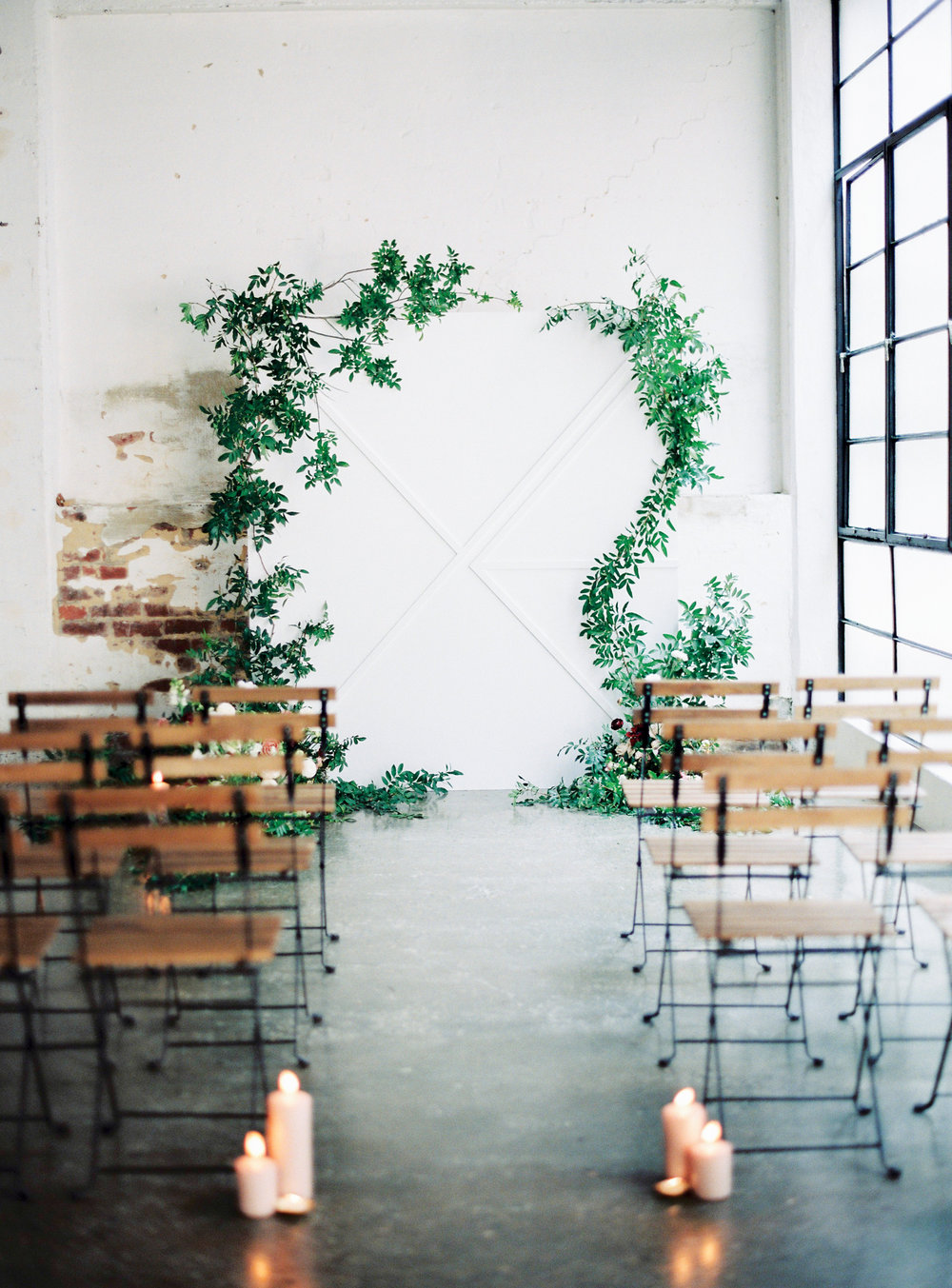 Aravella Event Design | Ceremony Backdrop | Photo by Ben Yew Photography
