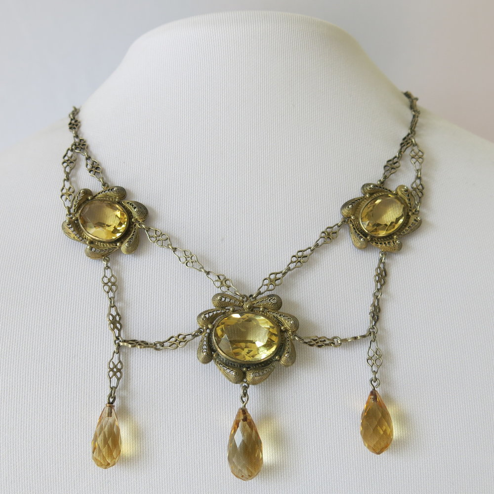 Vintage Jewelry at Vintagecookbooks.com