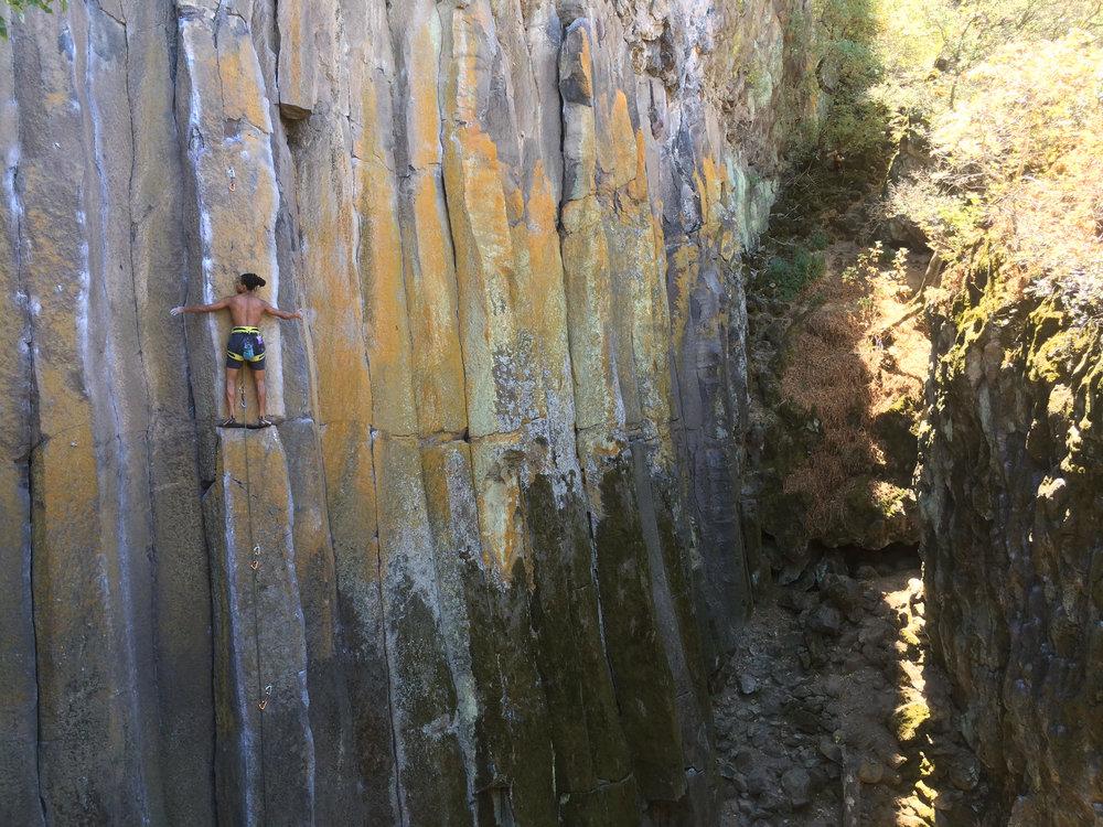 Patterson lead climbing in Sonora Pass, California (Photo credit: Jessica Gold)