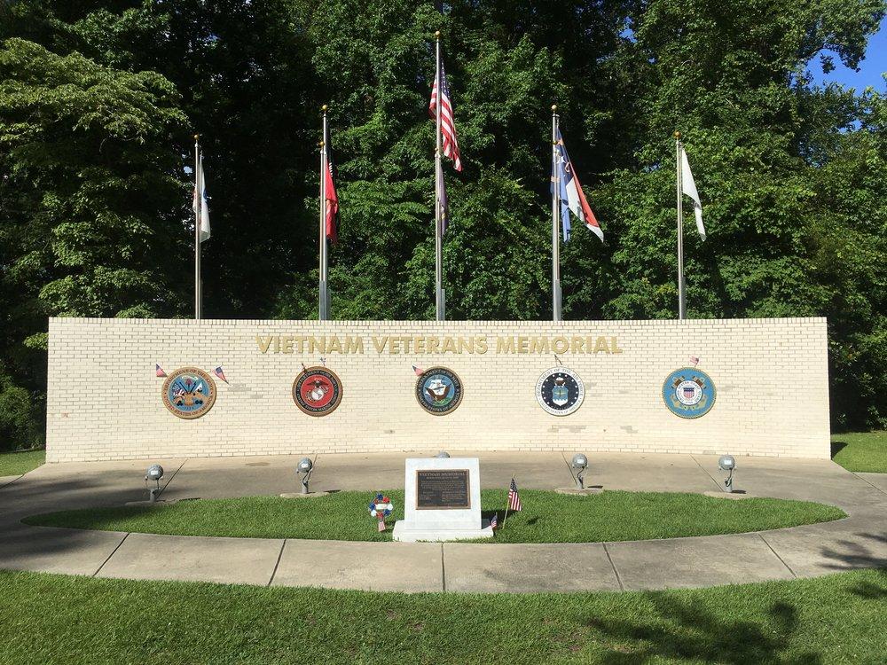 Vietnam-veterans-memorial.JPG