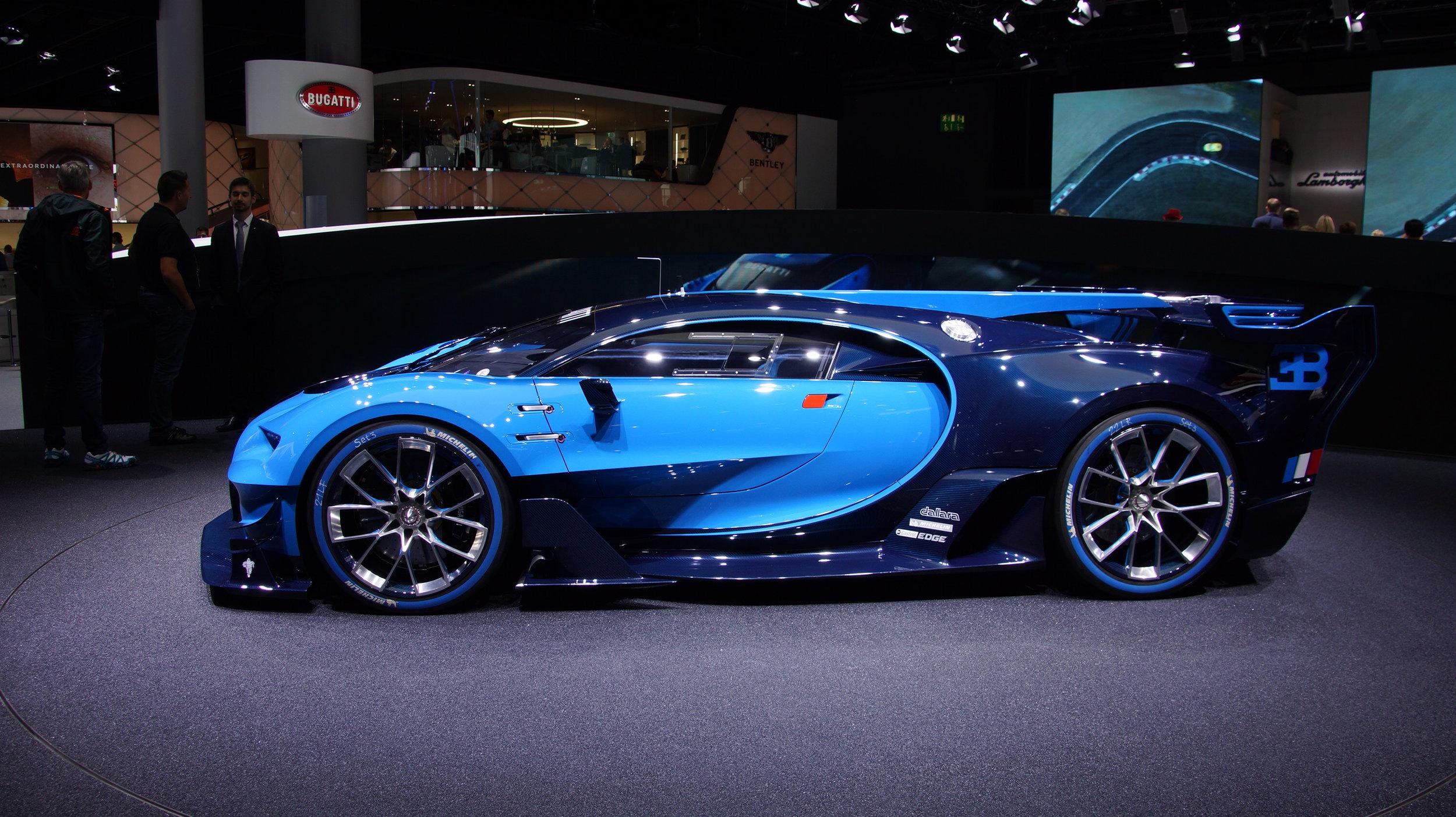 Bugatti_Vision_auf_der_IAA_2015_in_Frankfurt