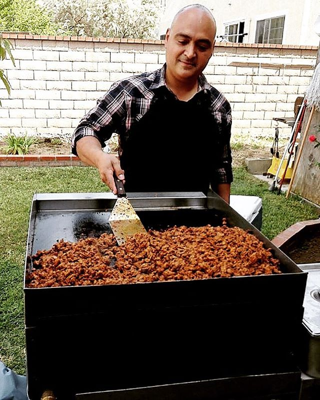 Circa 2013 #taquiza #hustle for 80 #people and working the #flatgrill #feed people and feed your #soul #lastyle #califas #mexicanstyle #porvida #tacosporvida🌮 #losangeles #elmachete1924 #lovelaboralchemy #purotacopower