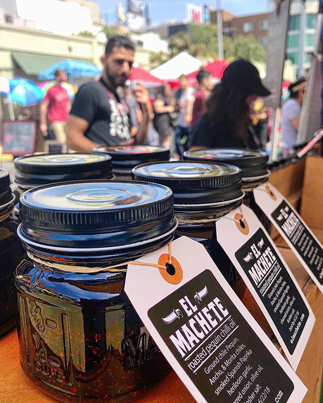 Beautiful day at the @thehfm with #teammachete's #customerappreciation #sunday #hustling #chillioil #rawsalsa and #chimichurri #elmachete1924 #holywood #farmersmarket #handcrafted #local #losangeles #labases #boyleheightschillisaucecompany #lovelaboralchemy