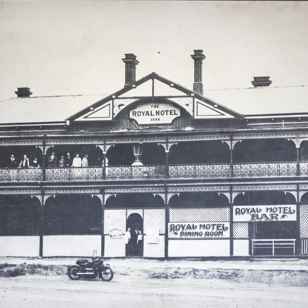 Historic Ferntree Gully pub