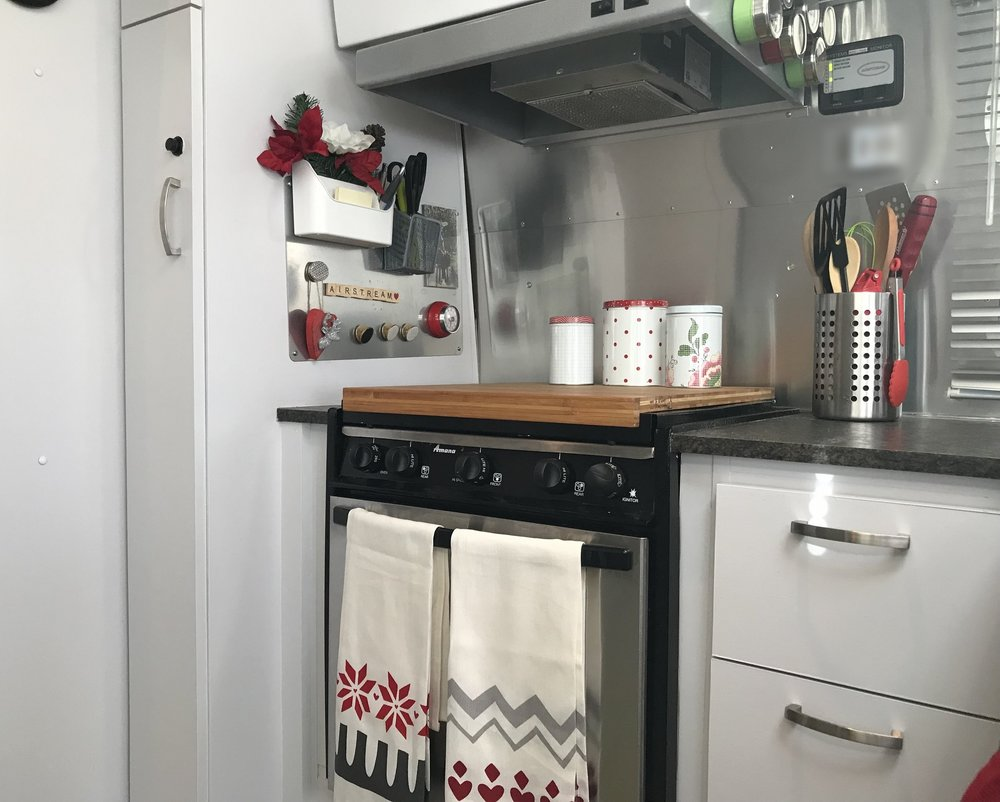 Christmas kitchen.jpg