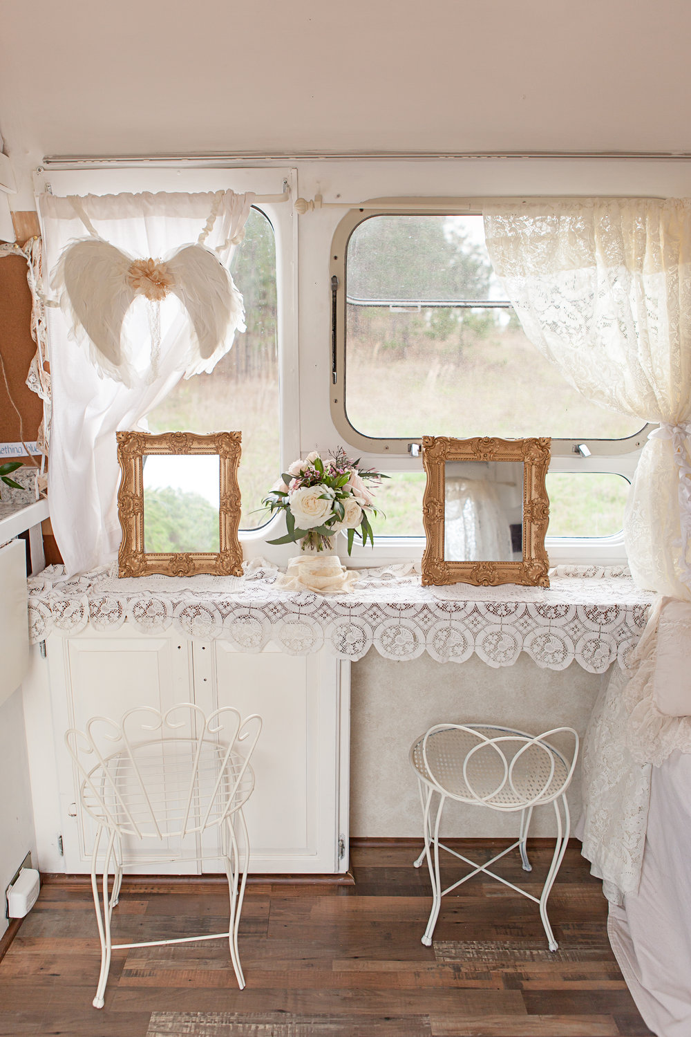 Airstream Bridal Suite4.jpg