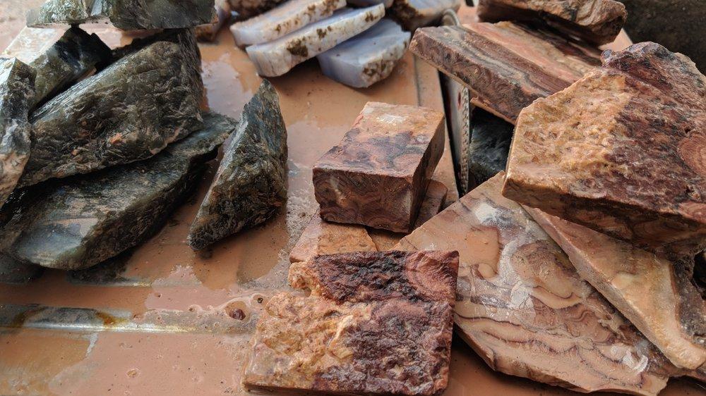 natural+hand+cut+stone+labradorite+rolling+hills+dolomite+crazy+lace+agate