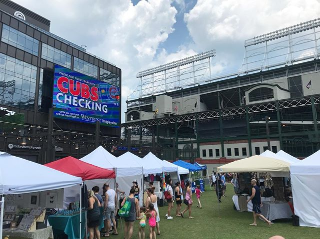 Hanging at @renegadecraft festival outside Wrigley Field! Stop by for some cold sparkling teas on this hot summer day! #renegadecraft