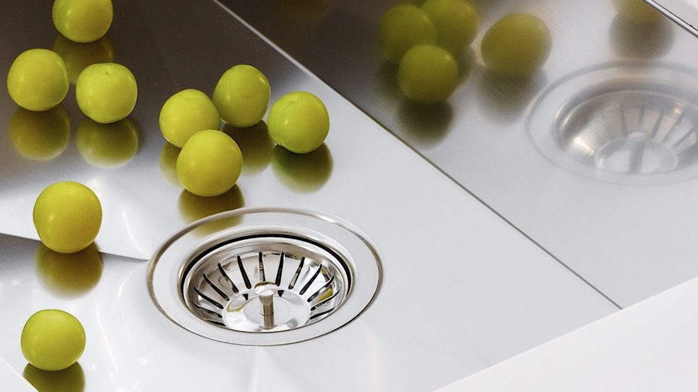 Coni Clear Technology - Bekjo sinks come with a coating which brings the added benefits of being able to withstand corrosion, salt content, general wear and tear, chemical changes, and bacterial growth.