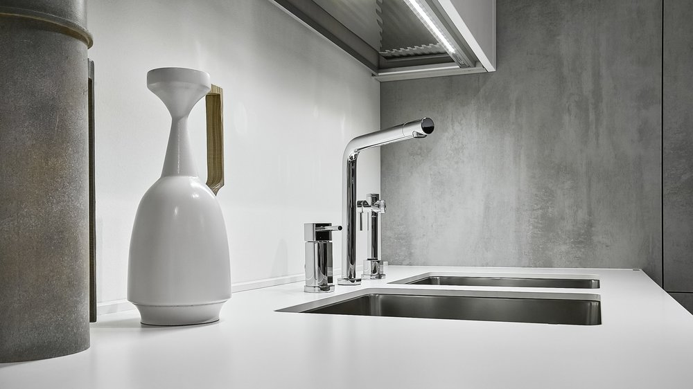 Sound Absorption Technology - Bekjo sinks come attached with rubber pads to reduce noise and vibrations from the impact of dishes, and kitchenware, and water flow.