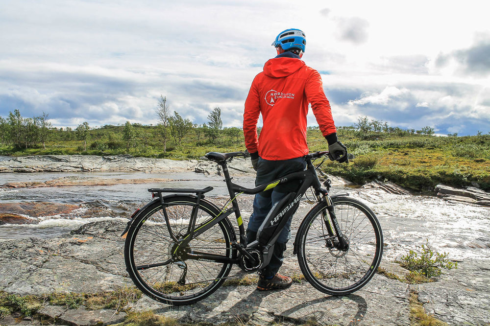 Autumn is a wonderful time in the mountains. In September and October we can offer a e-bike tour to Alta Canyon, the largest canyon of Northern Europe.