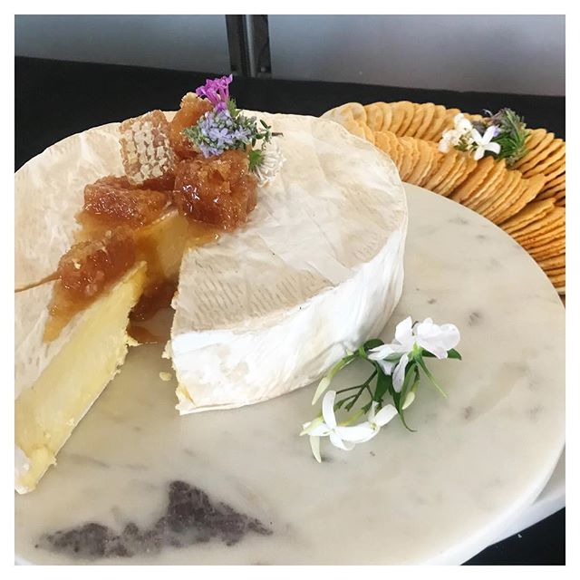 We bet you have a friend or two that could help you with this... 😍 Friday night celebration ready with a kilo wheel of the most incredible Triple Cream Brie!  Available on request as a part of our Medium and Large platter packages ✨