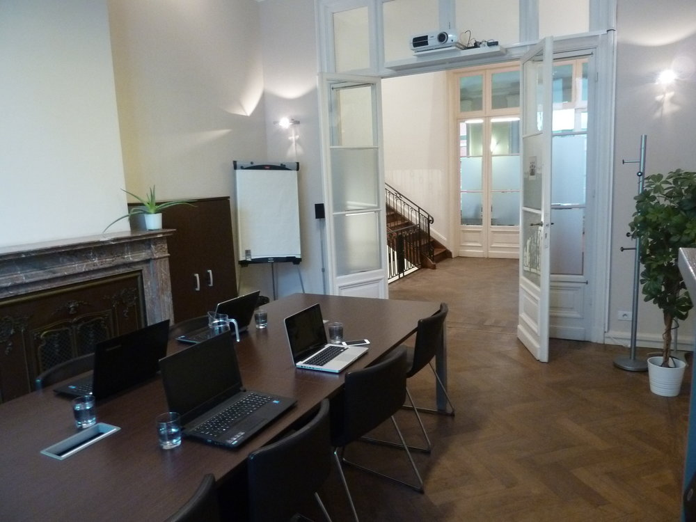 Meeting Rooms - €30/hour - € 100/day - €80/evening