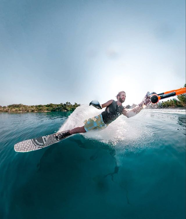 """It's not easy to keep up with this level of """"selfie game"""" while slalom skiing to say the least, but at the end it's so worth trying it. Thanks @radarskis for providing me with this awesome piece of gear, the new vapor feels great ! And @xavi_mill for letting me test all my crazy shots. • • • @gopro @goproes #gopro #goproawards #fusion #create2k18 #360 #VR #waterski #radarnation #lifeofawaterskier #radar #vapor #ski #water #slalom #slalomski #ventalló"""