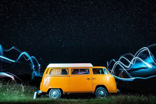 One of the best sessions of night photography I can remembrer. Clear sky of the pyrenees + VW combi t2 westfalia to spend the night. Nothing compares to this nomad feeling !! More to come !  Partner in crime for this one: @oscarbachs • • #vw #volkswagen #combi #transporter #t2 #westfalia #stars #nightphotography #longexposure #lightpainting #sky #bus #kombi #surf #pyrenees #pirineus #camprodon #pirineos #furgo #camp #camping