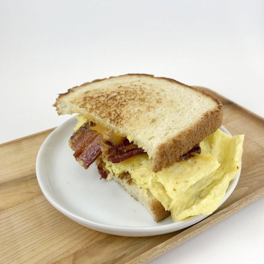 Egg & Cheddar w/ Thick-Cut Bacon