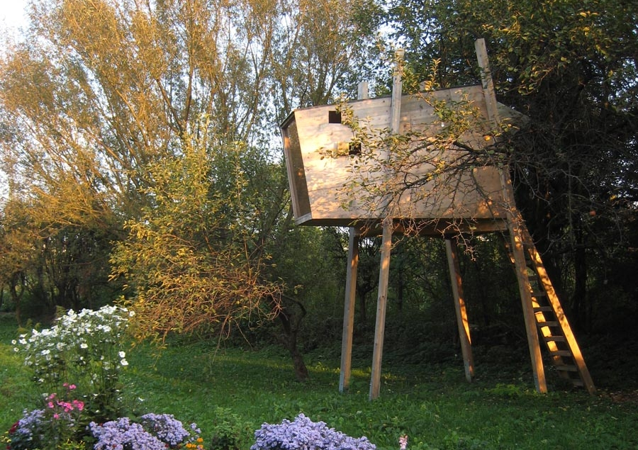 TREEHOUSE BY THE TREE  June 2008