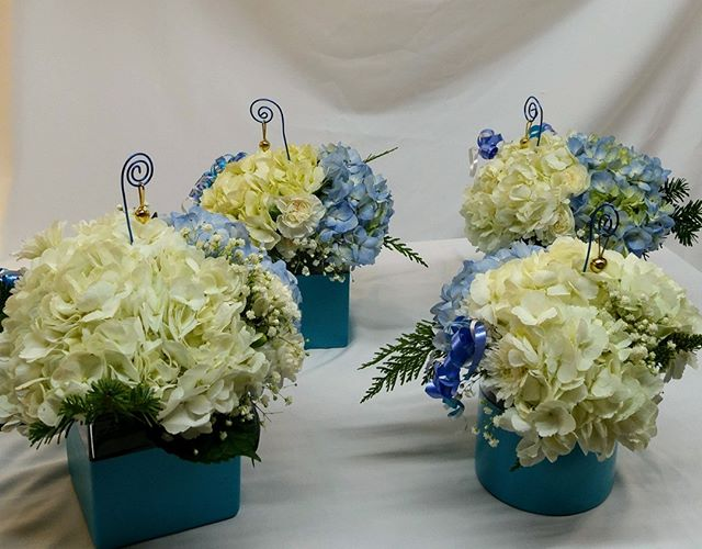 Looking for something special and original to decorate your tables?  #lavioletteflowers is there for you!🌺💕 #centerpieces #floraldecor #hydrangea
