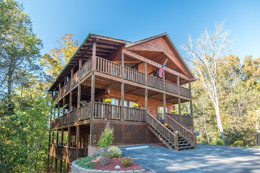 Eagles Haven Lodge - 5 Bedrooms, 5 baths, double sectional media room