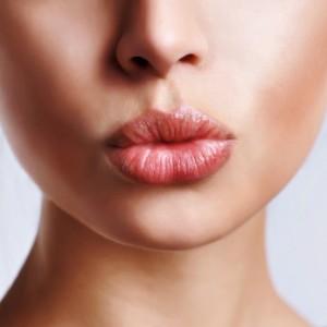 lucious-lips2-300x300.jpg