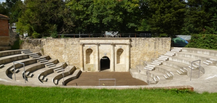 waterperry-stone-ampitheatre.jpg