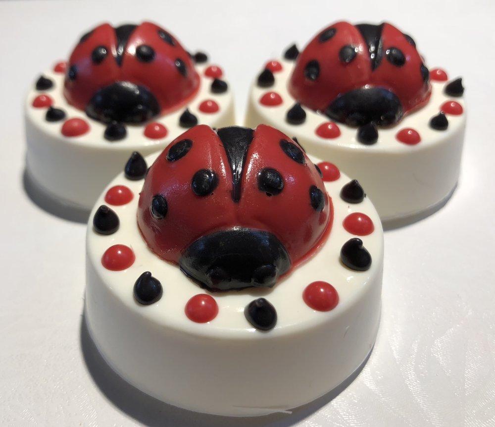 Ladybug Topper Oreos