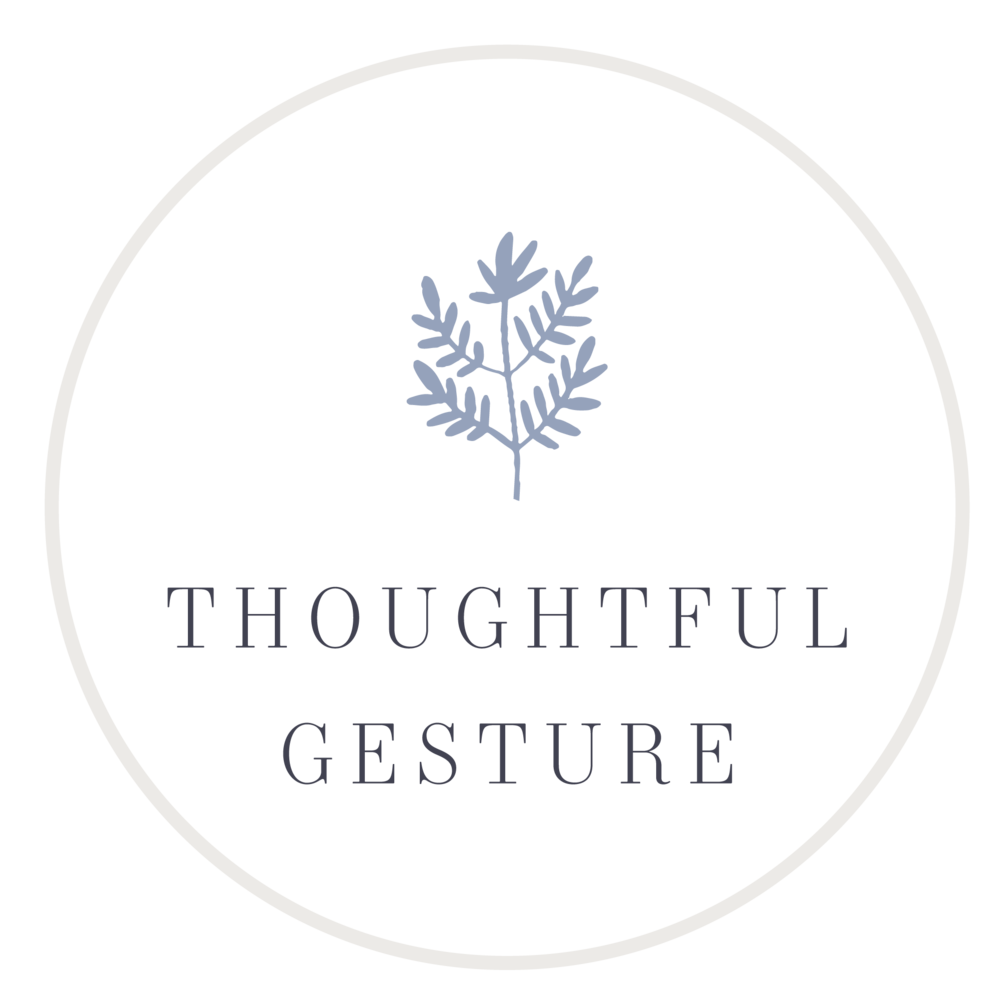 ThoughtfulGesture_Logo_Circle2_Leaf_Periwinkle.png
