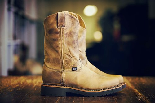 - JUSTIN BOOTS -