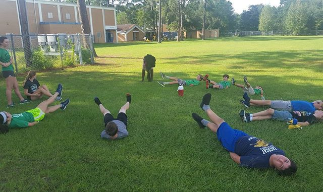 Hoping everybody has a great weekend! Go Gators! 😎 #youthcombine #football #gators #scissorkicks #exercise #core #workout #gameday