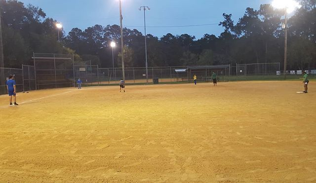 This time change would have been a whole lot worse if the park didn't turn the lights on for us! #youth #combine #kickball #westside #westsidepark #kick #ball #bases #running #exercise #health #healthy