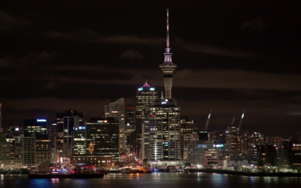 001_stamp_Auckland_City view at night