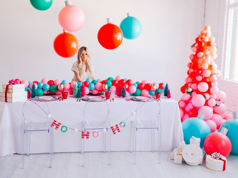 HOLIDAY 2018 STYLED SHOOT - COMING SOON! Dallas Styled Shoot with Lushra at The Lumen Room, December 2018 // Photography: Simple Still Photography
