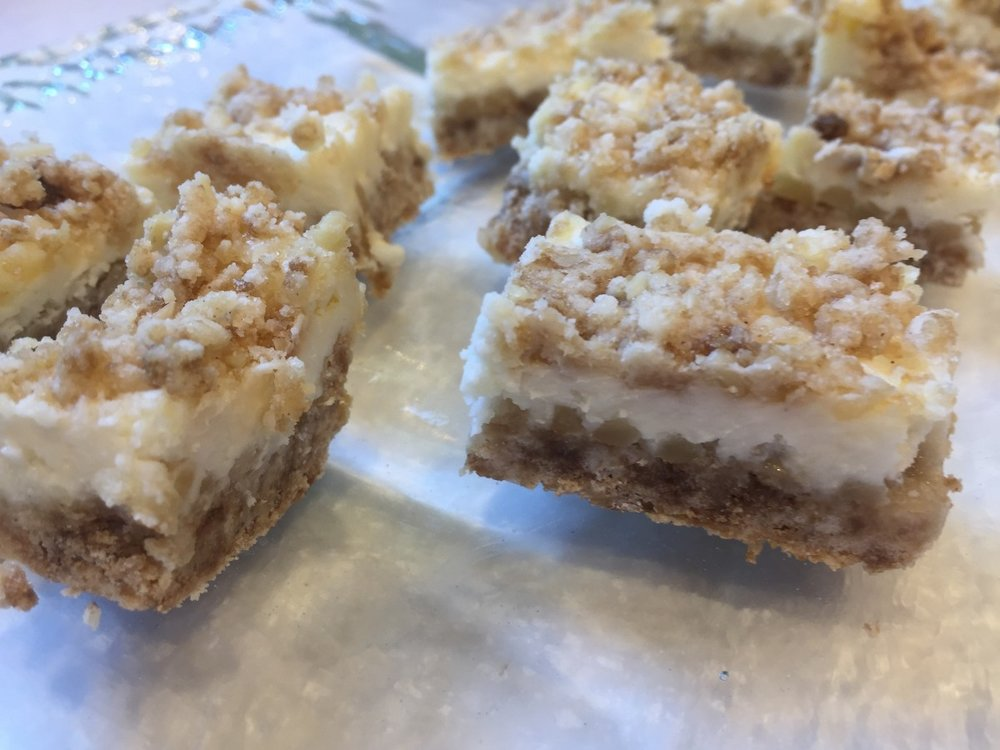 Almond Cheesecake Bars