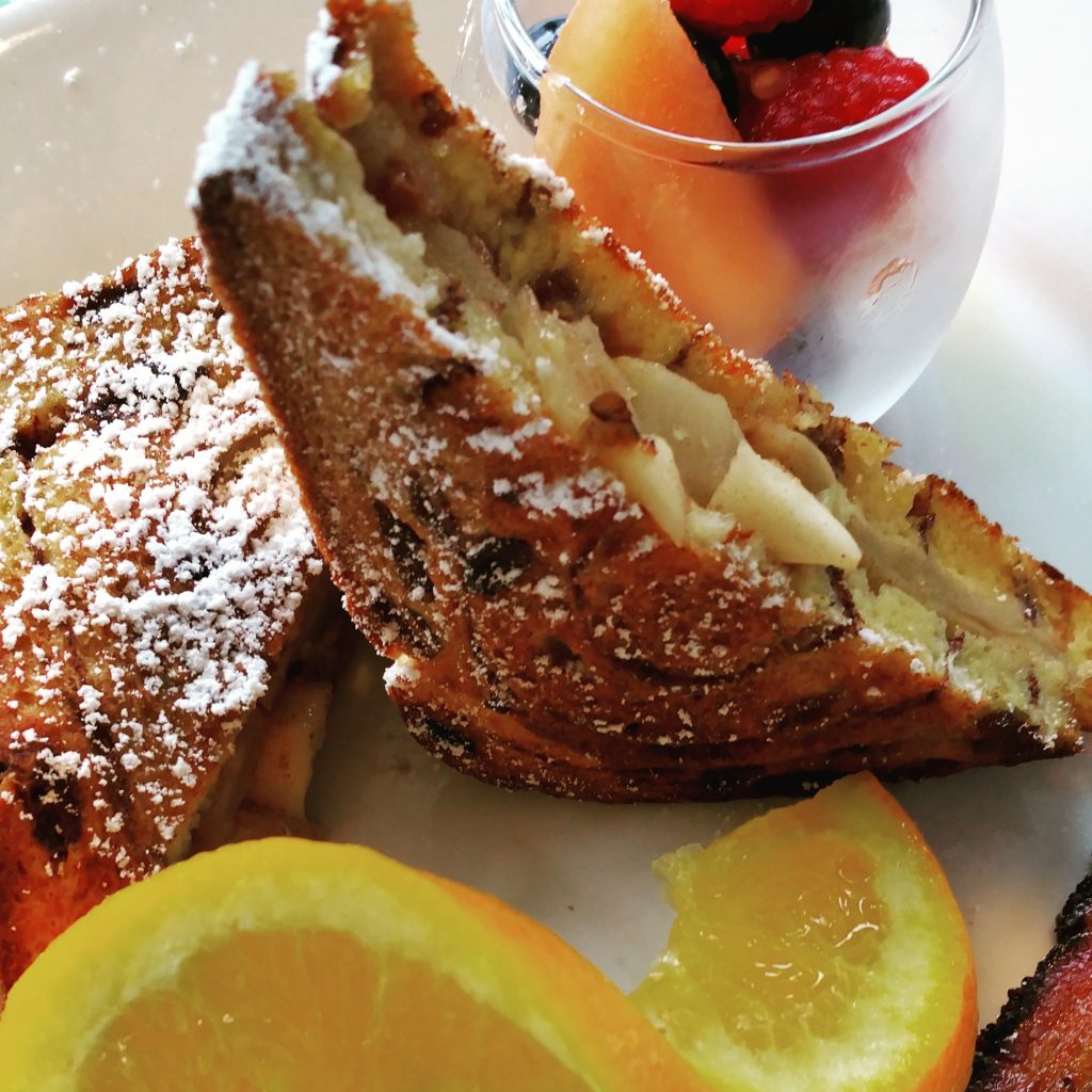 apple-stuffed-french-toast