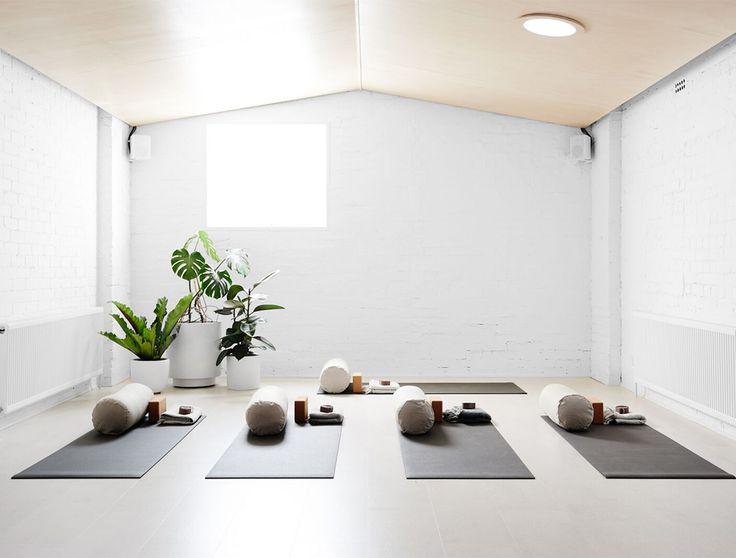 70161894990a35213c5eee651f435358--white-yoga-studio-yoga-home-studio.jpg