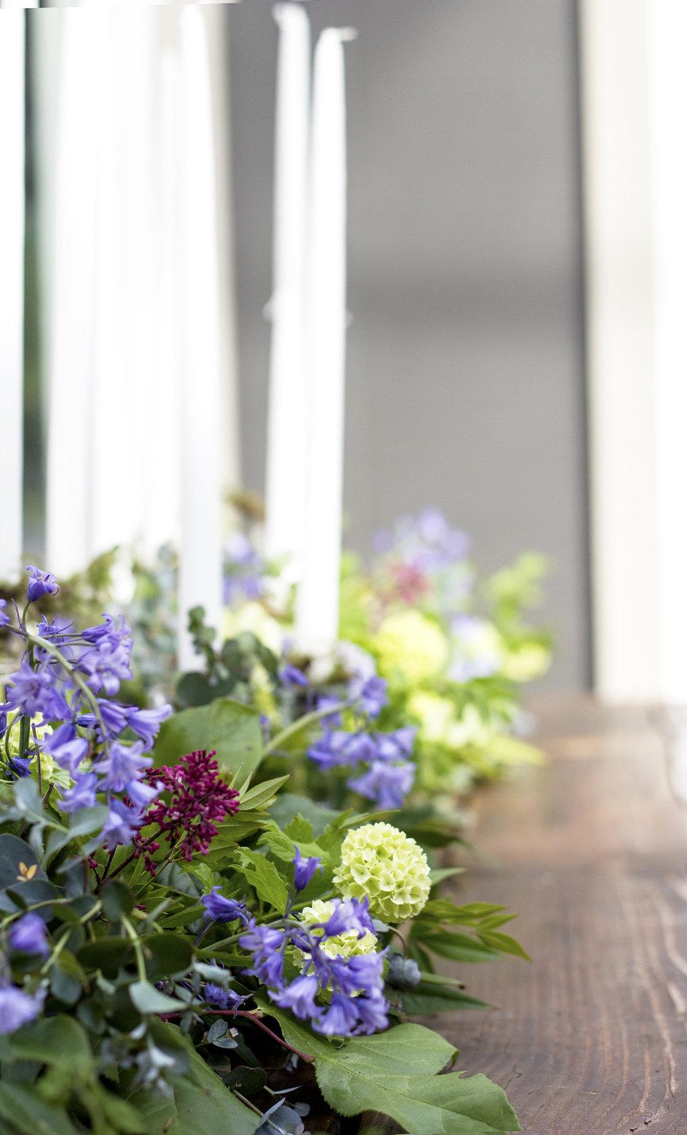 reduced_ss_centerpiece_viburnum_scilla_marry_me_in_monroe_spring_flowers.jpg