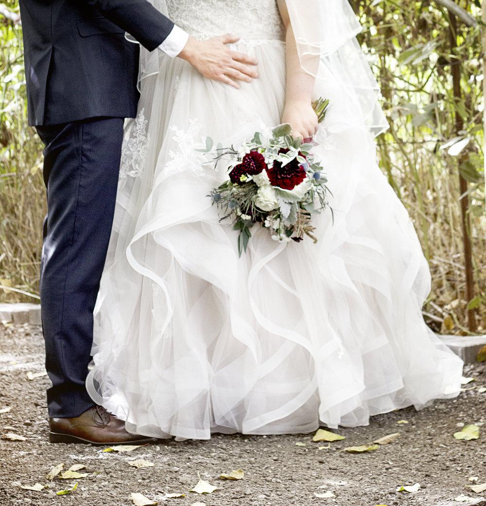 reduced_ss_madi_wedding_dahlias_burgundy_dusty_miller.jpg