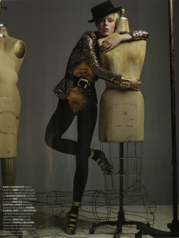 SBStudio_Editorial_British_Vogue_DEC_2006_Craig_Mcdean_1.jpg