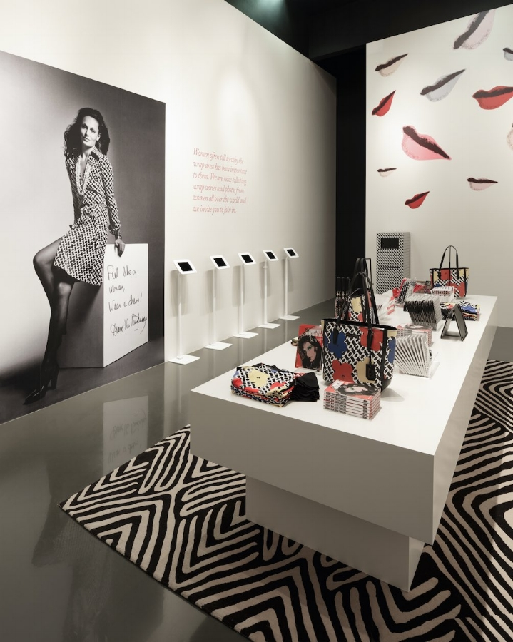 SBSTUDIO_EXHIBITION_DVF_3.jpg