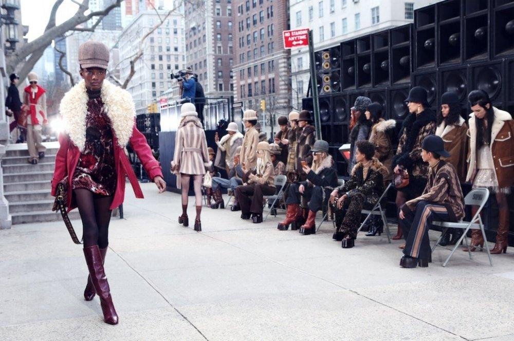 2017 SBStudio_Fashion_Show_Marc_Jacobs_Fall_Winter_.jpg