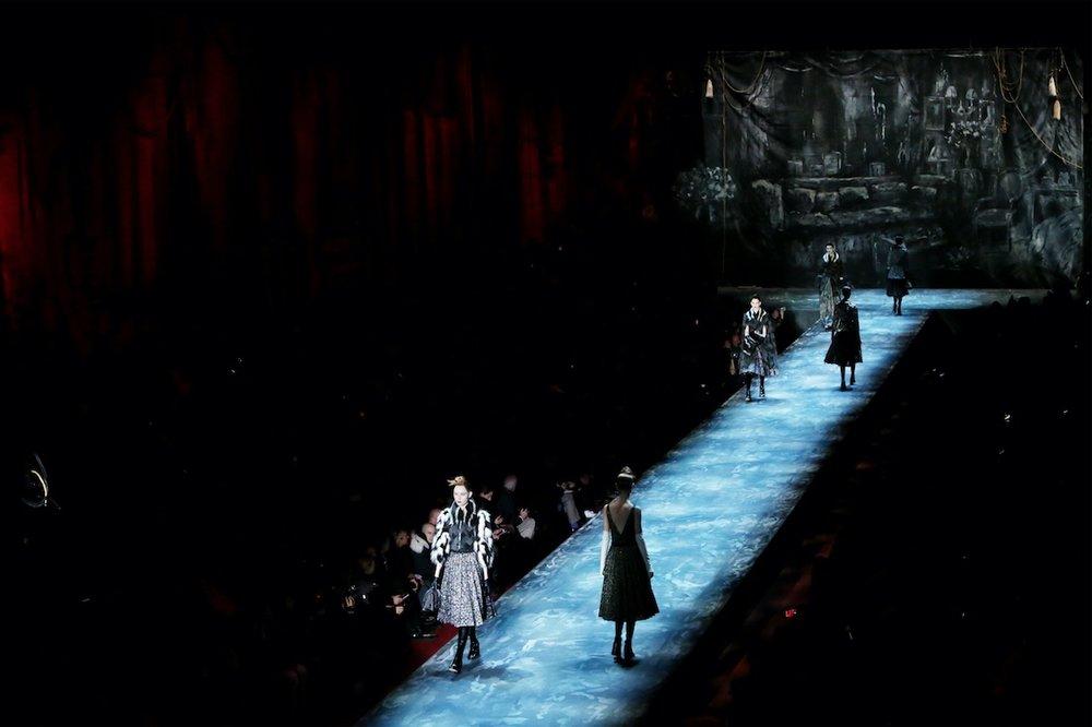 2015 SBStudio_Fashion_Show_Marc_Jacobs_Fall_Winter_2.jpg