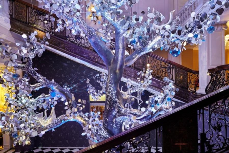 SBStudio_Installation_exhibitions_holiday_2018_tree_of_love_claridges_dvf_2.jpg